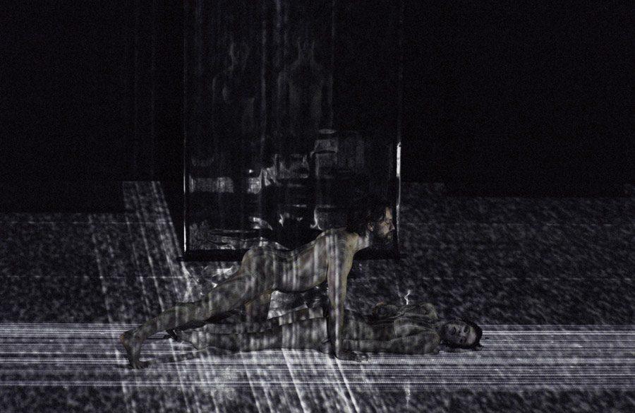 3 = Marie-Ève Lafontaine, Maya Robitaille, Georges-Nicolas Tremblay / Symphonie 5.1 / Van Grimde Corps Secrets / © Michael Slobodian