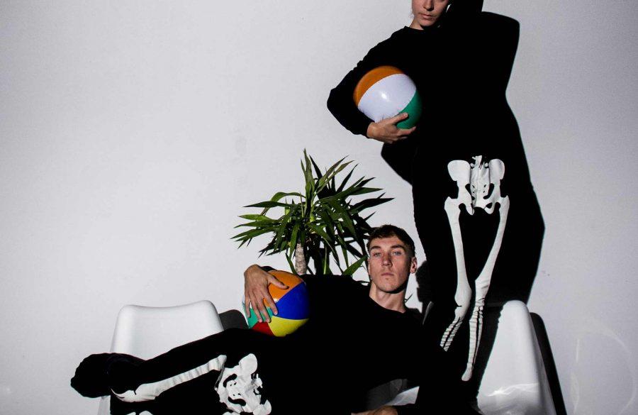Deux squelettes | Priscilla Guy + Sébastien Provencher © Emilie Morin