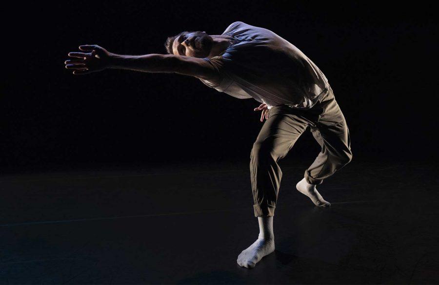 Bygones | Out Innerspace Dance Theatre | David Harvey © David Raymond @ Agora de la danse, Montréal