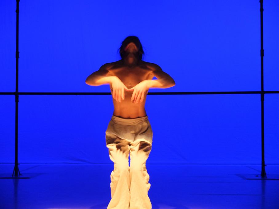 Prismes - Benoît Lachambre / Montréal Danse